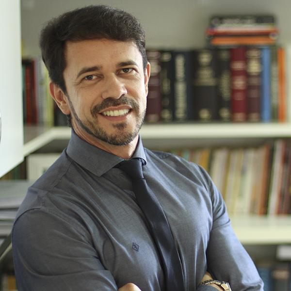 PROFESSOR FERNANDO MOURA